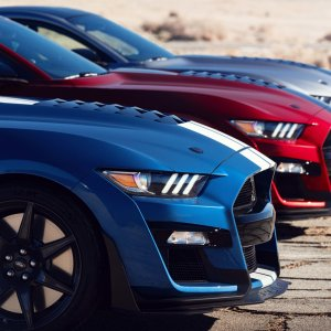 2020-ford-mustang-shelby-gt500-1(3).jpg